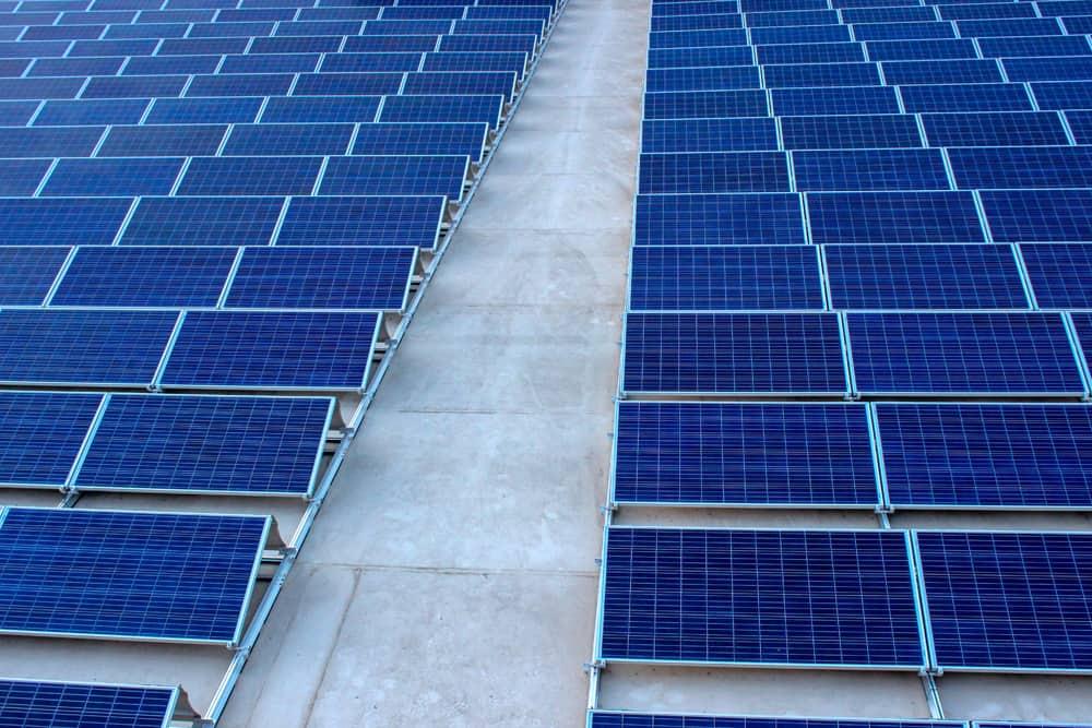 Can a solar panel run a freezer